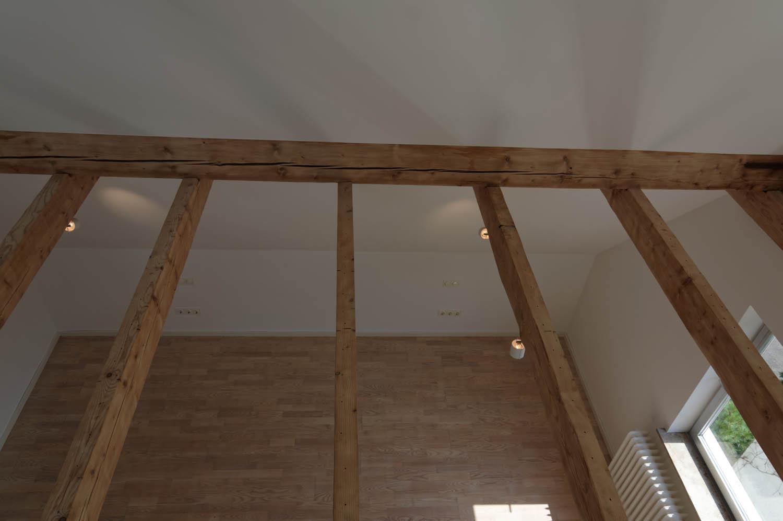 Blick vom Spitzboden ins Dachgeschoss.