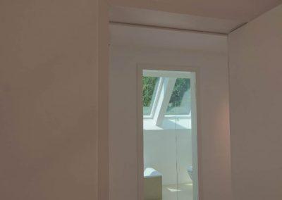 Zugang zum Badezimmer im Dachgeschoss.