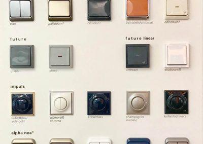 Verschiedene Lichtschalter und -dimmer aus dem Sortiment der Firma KS Electrics.