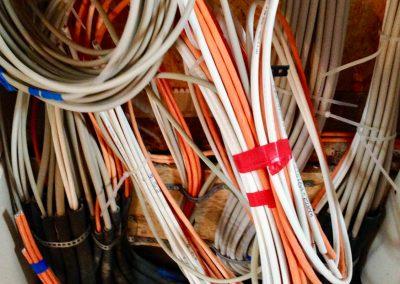 Kabelage während der Neuverlegung der Electroinstallationen durch KS Electrics aus Kürten.