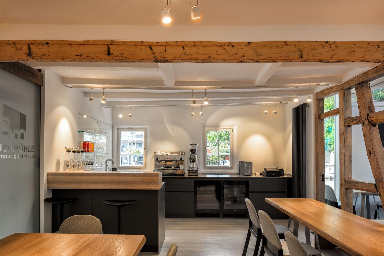 Theke im Küchengarten der Buchmühle