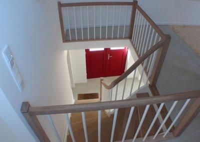 Maßgefertigte Holztreppe
