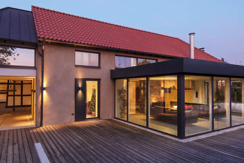 Angebauter Wintergarten und saniertes Dach